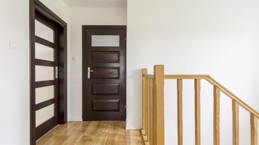 usa de lemn interior