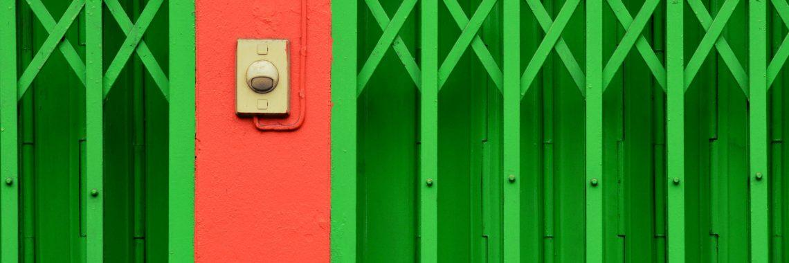 ușa glisantă verde